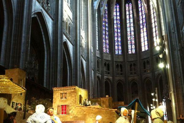 Crèche provençale en la cathédrale d'Orléans. ces santons et réalisations sont à voir jusqu'au 10 janvier