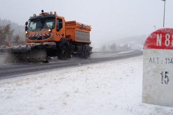 Lozère - la RN.88 sous la neige - 20 novembre 2013.