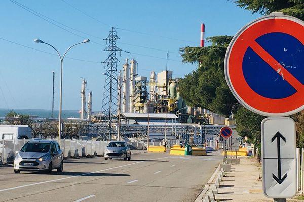 Le 23 décembre, les salariés de la raffinerie Petroineos ont voté l'arrêt progressif de l'usine