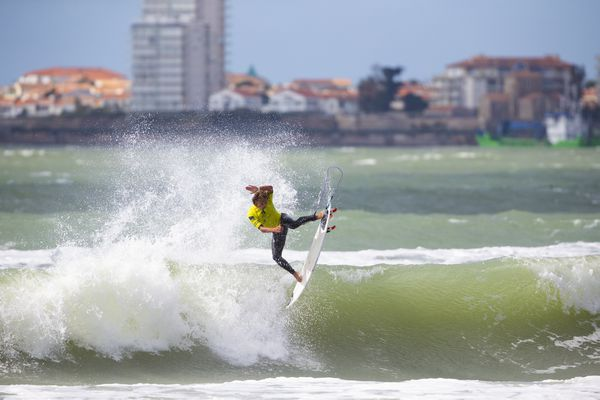 Le surfer Kauli Vaast aux Sables-d'Olonne