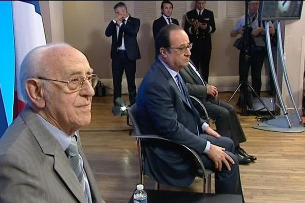 Jean Viacroze et François Hollande lors des commémorations du massacre de Tulle le 9 juin 2016.