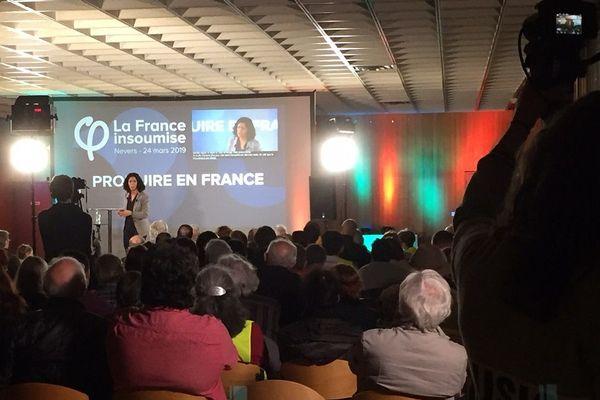 La tête de liste de la France insoumise aux élections européennes, Manon Aubry, lors du meeting à Nevers, le 24 mars 2019