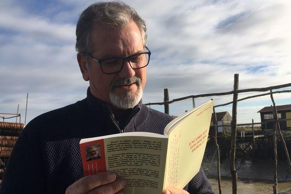 Stéphane Pineau sort un deuxième livre dans lequel il raconte son combat contre la maladie qui le ronge, la NASH.