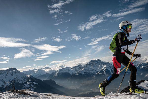 La championne de ski-alpinisme Margot Ravinel lors des Jeux olympiques de la jeunesse 2020 à Villars-sur-Ollon (Suisse) le 10 janvier 2020