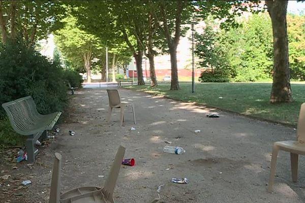 Sept personnes ont été blessées dans la nuit de dimanche 29 à lundi 30 juillet par des tirs de fusil de chasse à Beaune. / © France 3 Bourgogne