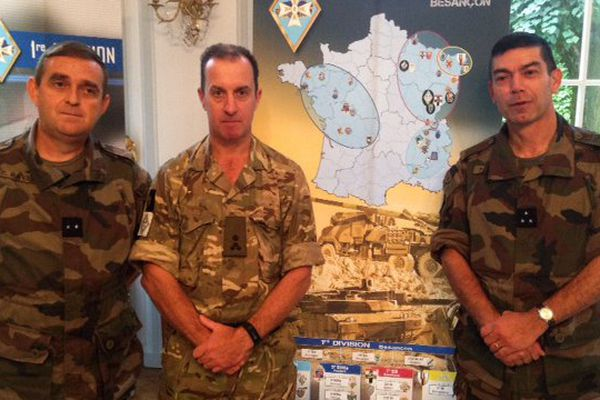 Le commandement de la 1ère division à Besançon avec les généraux Eric Ravier, Nick Nottingham, Philippe Lesimple
