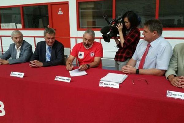 Jean Manuiel Sousa signe son contrat de 3 ans avec le STB Le Havre