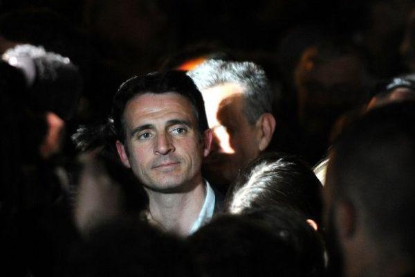 Le maire de Grenoble dans la lumière