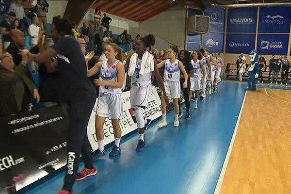 Lattes-Montpellier s'impose face au KSC Szekszard et se qualifie pour le tour principal de l'Euroligue - 3 octobre 2017
