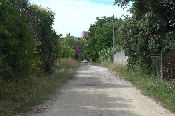 """La rue de la salaison à Castelnau-le-Lez doit être goudronnée pour le futur immeuble """"Le Clos des Oliviers """""""