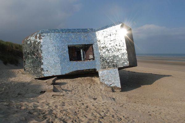 Le blockhaus sur la plage de Leffrincoucke.