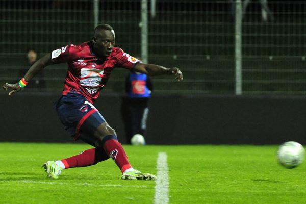 Famara Diedhiou, l'attaquant sénégalais du Clermont Foot, a marqué de son empreinte le début de saison en Ligue 2.