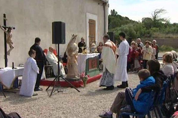 Une messe est célébrée chaque année à la mémoire des personnes décédées lors des explosions dans la fabrique de dynamite.