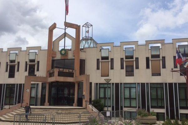 La mairie de Canteleu (Seine-Maritime) où travaille Hasbi Colak, adjoint en charge du développement économique, des commerces et de l'emploi.