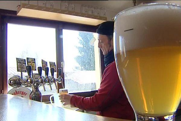 """La brasserie """"La Franche"""" de la Ferté dans le Jura est l'une des 24 brasseries qui participent samedi à la 11ème fête de la bière de Poligny"""