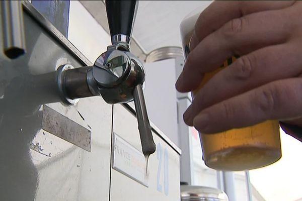 Une propositions de loi déposée à l'Assemblée nationale veut rétablir la vente d'alcool dans les stades