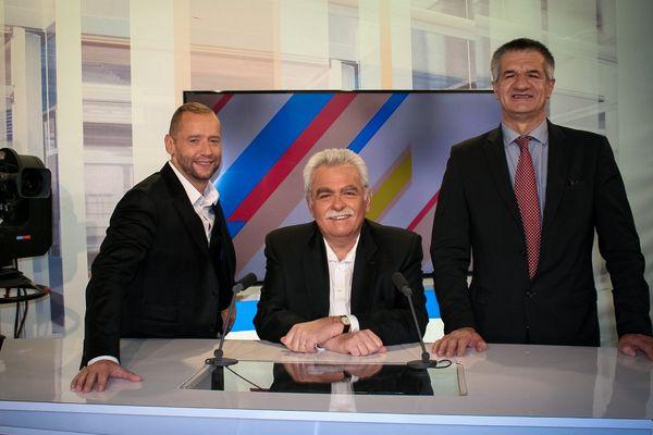 Yannick Kusy (à gauche) reçoit André Chassaigne (au centre) et Jean Lassalle (à droite) dans Dimanche en Politique.