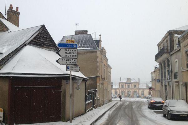 Sillé le Guillaume sous  la neige ce mardi 12 mars 2013
