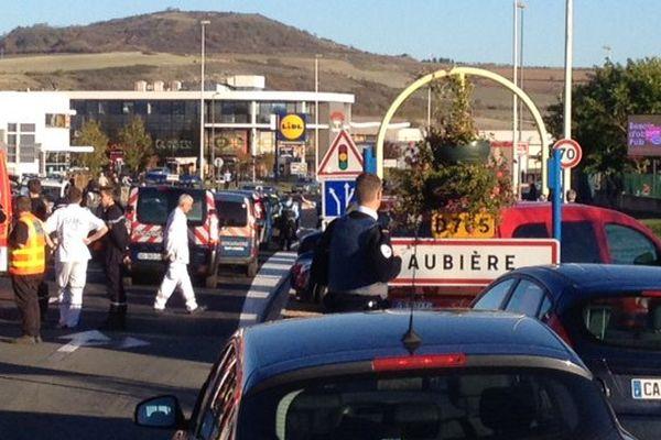 Le Luna Park de Clermont-Ferrand sous très haute surveillance dimanche 1er novembre. Le périmètre est entièrement bouclé. Des renforts de police et de gendarmerie sont attendus.