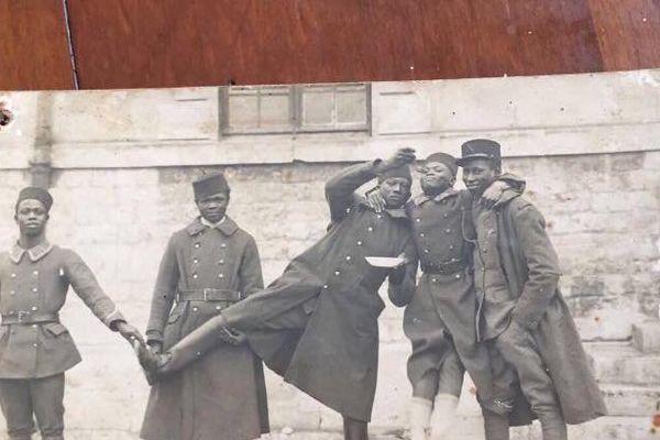 Tirailleurs sénégalais. Photo publiée par Black M sur son compte Facebook.