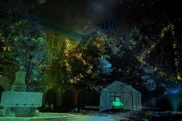 """""""Keys of light"""" par la compagnie hollandaise Mr Beam dans le jardin du musée des Beaux-arts de Lyon pour la Fête des Lumières 2018"""