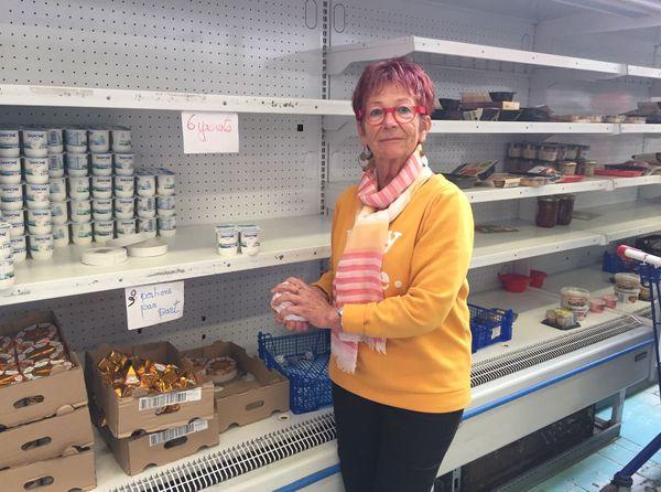 Charlotte est bénévole ici depuis 17 ans. La fermeture du centre est un déchirement pour elle.