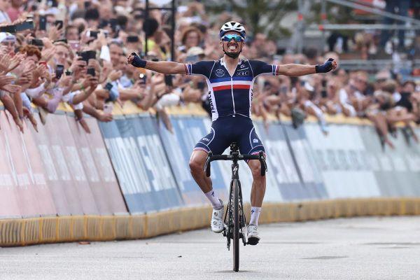 Le cycliste Julian Alaphilippe a fait les 17 derniers kilomètres seul en tête