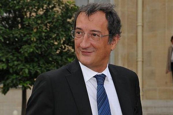 """François Lamy, ministre délégué chargé de la Ville, vient signer les premiers contrats """"emplois d'avenir"""" de Dijon vendredi 9 novembre 2012"""