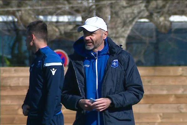 Cédric Daury, directeur sportif de l'AJA, reprend sa casquette d'entraîneur depuis le départ de Pablo Correa