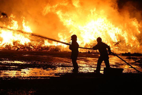 Important incendie dans un bâtiment de la société Schroll à Colmar le 21 septembre 2020.