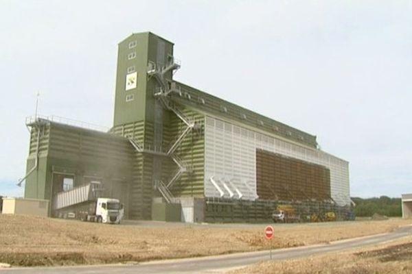 Le nouveau silo à Hautvillers-ouville dans la Somme