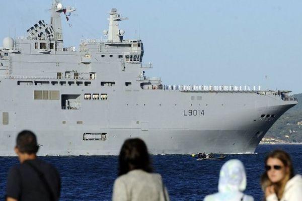 Les impressionnants navires de guerre ont longé les côtes varoises.
