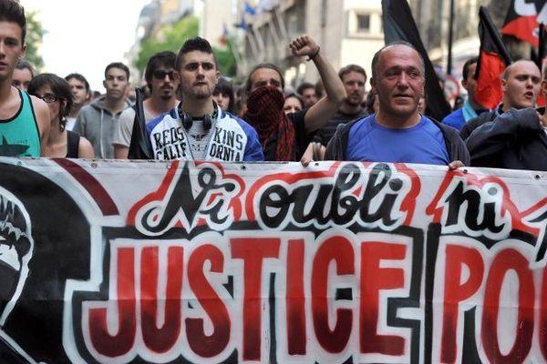 Lors de la manif hommage à Clément Méric le 06 juin 2013
