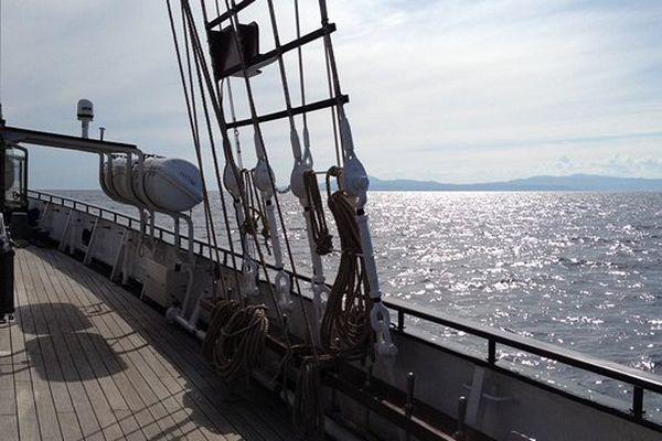 Nous voilà dans les eaux territoriales françaises droit vers Sète