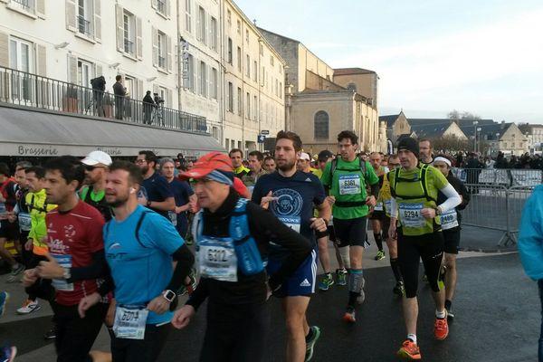La 25e édition marathon de La Rochelle a rassemblé plus de 25 000 coureurs.