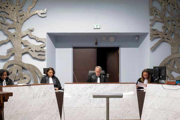 La visioconférence peut désormais être utilisée pendant les audiences de comparutions immédiates à l'heure du coronavirus. Tribunal correctionnel de Nancy.