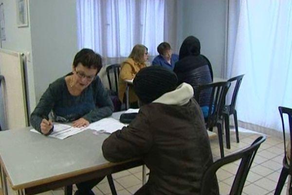 """Amiens : centre de distribution """"Vascosan"""" des Restos du coeur"""