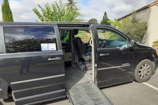 Le véhicule de Pierre Emeriau, tétraplégique ne peut plus passer le contrôle technique sans modification de la carte grise. Chaque modification doit être présentée au moment du contrôle