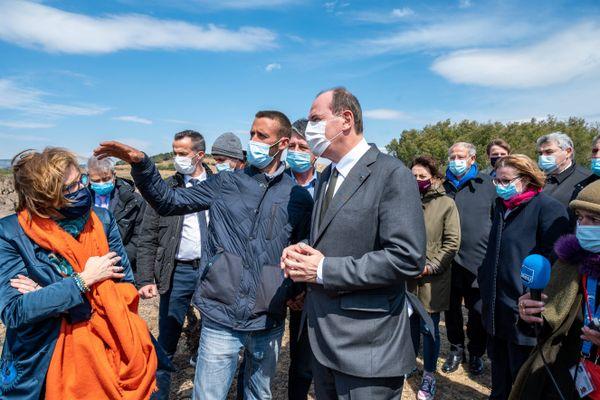Le Premier ministre Jean Castex était venu à la rencontre des agriculteurs sinistrés en avril dernier.