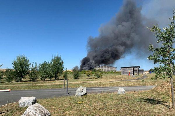 Incendie dans un centre de traitement de déchets dans le Tarn