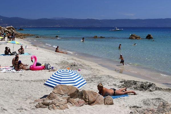 La plage de la Terre Sacrée, près d'Ajaccio (Corse du Sud) a reçu le label Pavillon Bleu 2018.