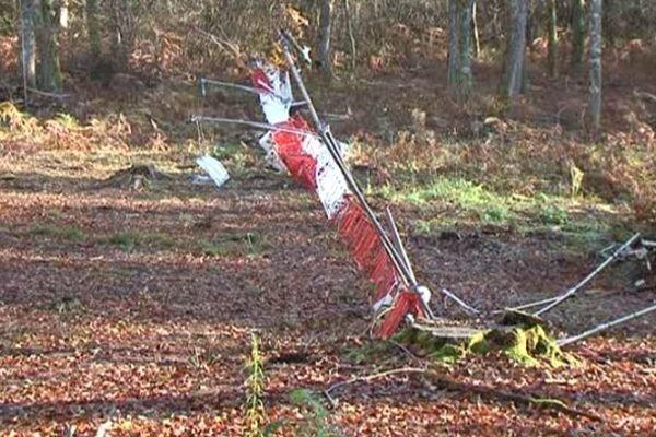 Le mât de mesure du parc éolien de Saint-Pardoux-la Croisille, situé en pleine forêt, a été mis à terre dans la nuit du 3 au 4 novembre dernier.