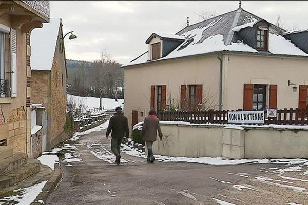 Le projet d'implantation d'antenne-relais dans le village de Saint-Honoré-les-Bains fait polémique