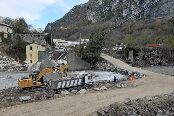 Le nouvel accès a été construit à partir de pierres échouées dans la Roya.