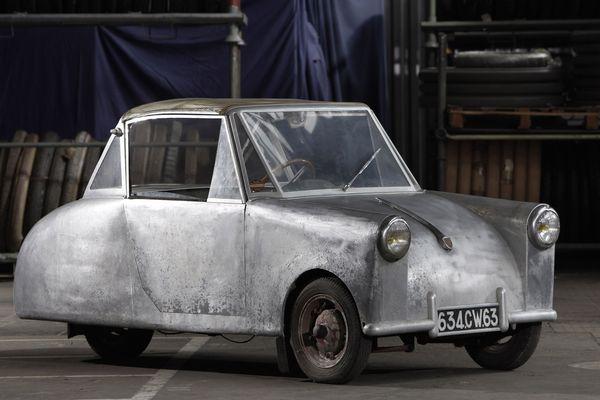 """Pour la première fois, le modèle unique """"Fargier type A"""" sort des réserves de l'Aventure Michelin. Pour participer à un rassemblement de microcars les 30 et 31 août prochains en Saône-et-Loire."""
