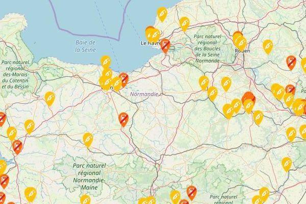 En jaune, les stations en pénurie partielle - En rouge, les stations en rupture totale