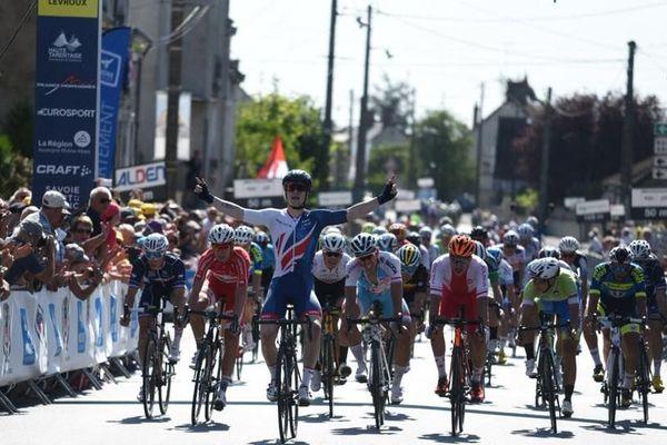 Le Britannique Matthew Gibson a remporté, mardi 21 août, la 5e étape du Tour de l'Avenir 2018