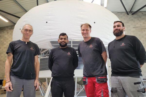Peter Weiss (3eme en partant de la gauche) et son équipe à Air Liquide
