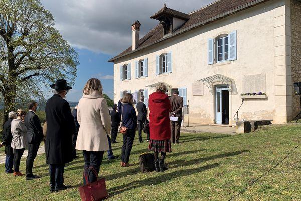 Elus, personnalités de la région et membres de la maison d'Izieu étaient présent pour rendre hommage aux 51 déportés.
