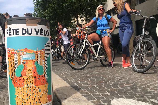 À Marseille, où le développement du vélo est encore à la traîne, usagers et collectifs se mobilisent pour encourager le développement de moyen de transport écologique